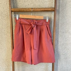 "LULULEMON Noir 5.5"" shorts"